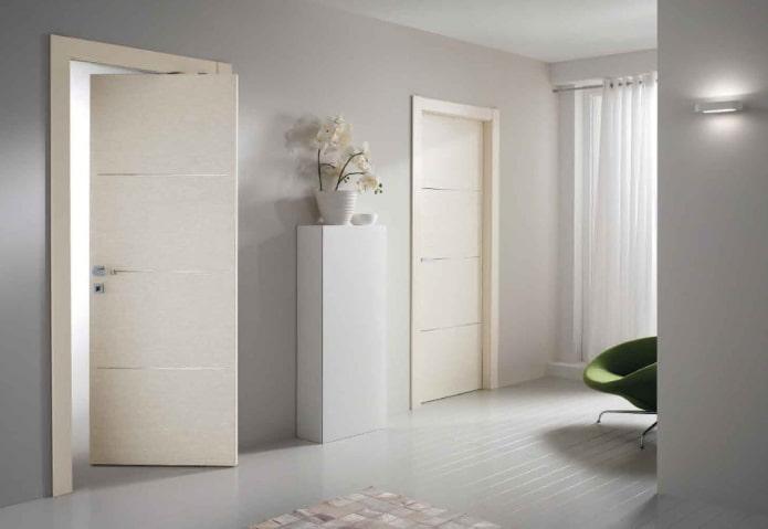 двери светлого оттенка в стиле минимализм