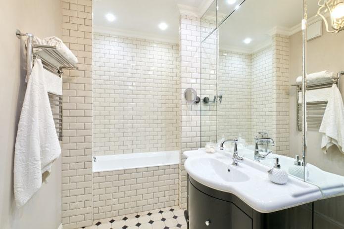 ниша с ванной в интерьере ванной комнаты