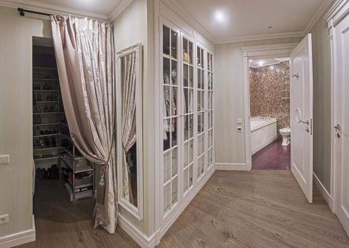 проход без двери в гардеробной