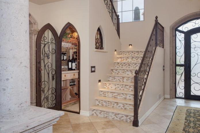 Входные кованые двери: фото в экстерьере и интерьере дома, идеи оформления