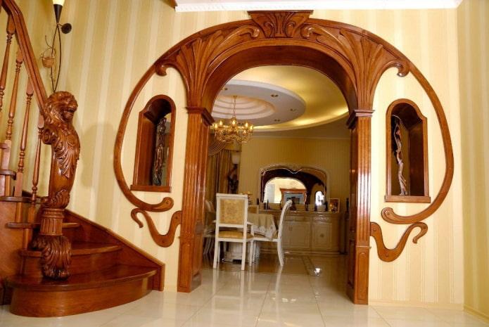 арка из гнутого дерева в стиле модерн