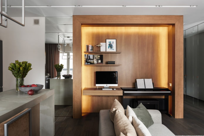 ниша с деревянной отделкой в интерьере гостиной