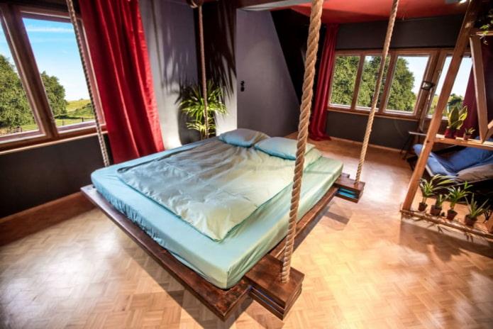 висячая кровать