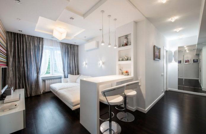 белая барная стойка в интерьере гостиной
