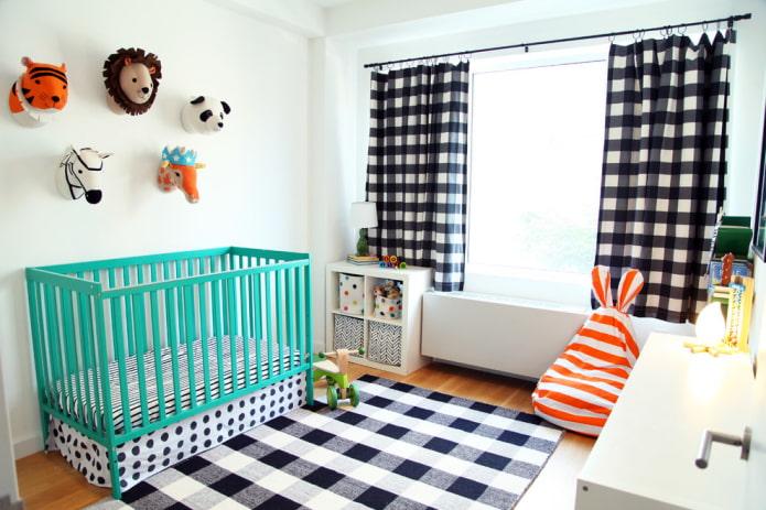 бирюзовая кроватка для малыша в интерьере
