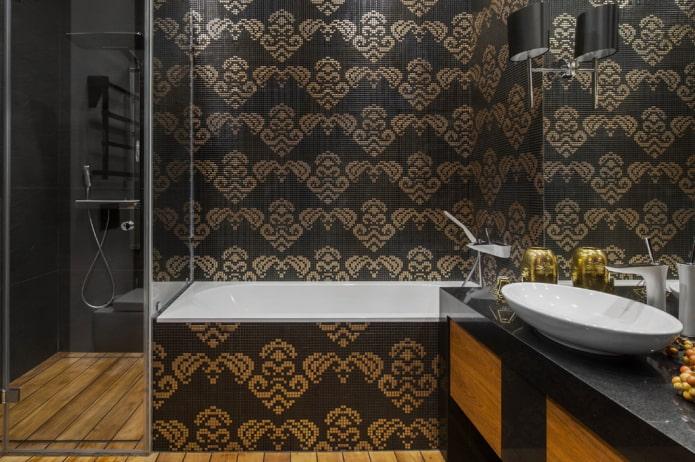мозаика на стене в интерьере ванной