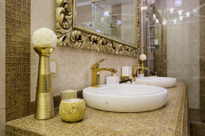 мозаика на столешнице в интерьере ванной
