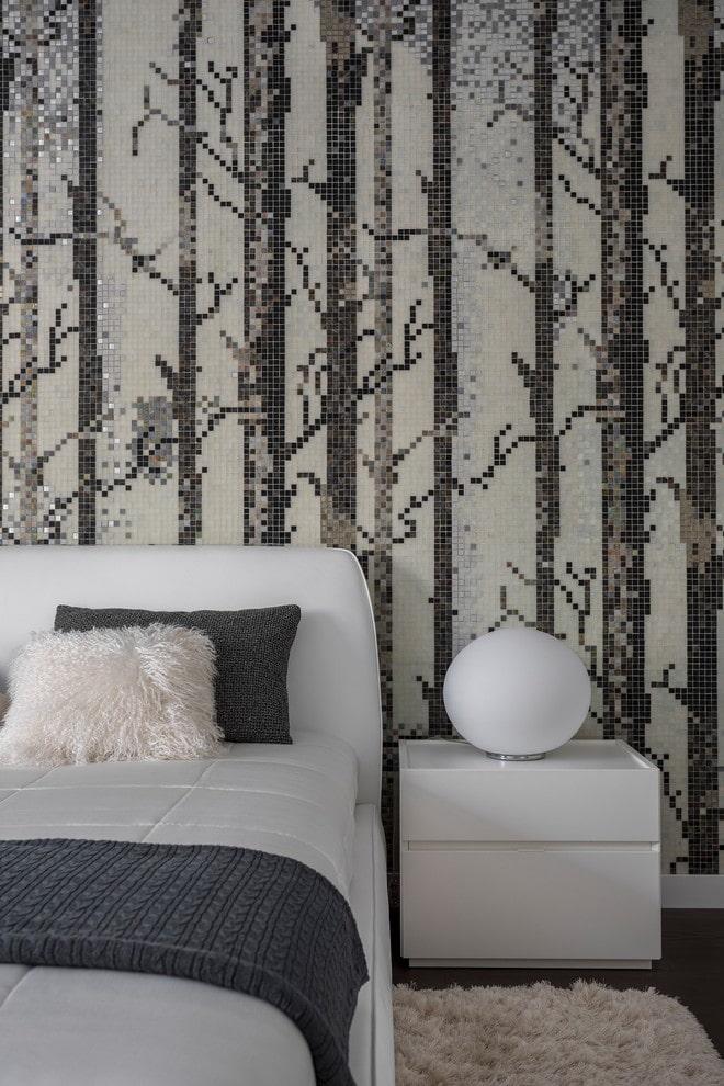 мозаика на стене в спальне