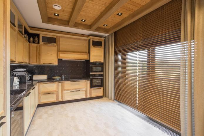 напольная плитка под дерево в интерьере кухни