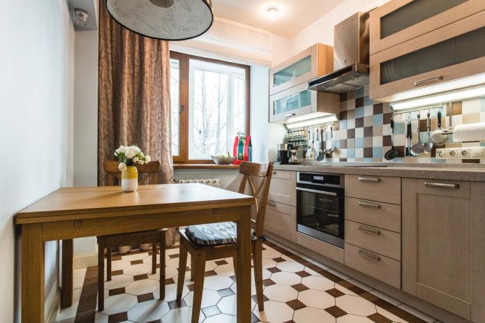 квадратная напольная плитка в интерьере кухни