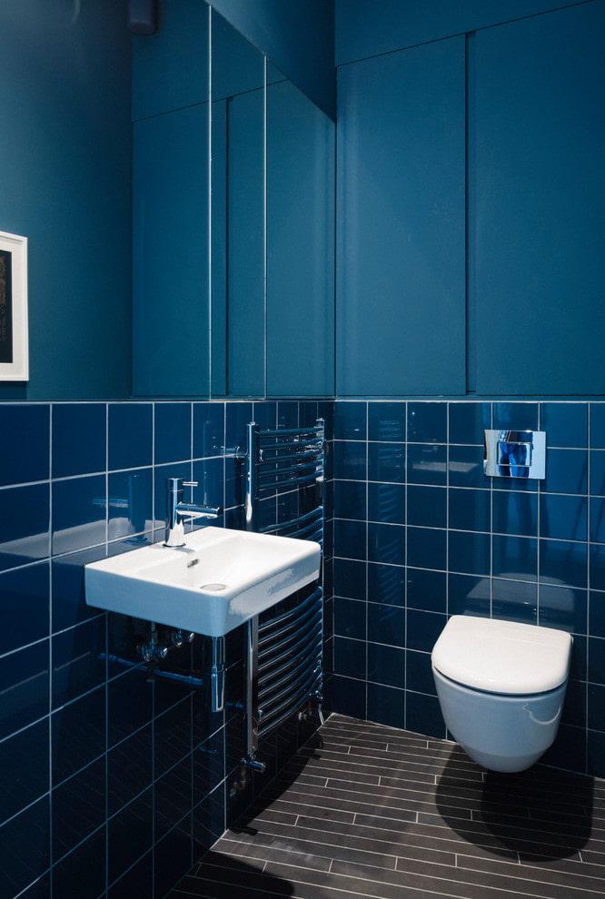 Синяя плитка и покраска