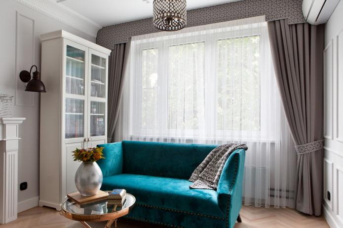 маленький диван бирюзового цвета в интерьере