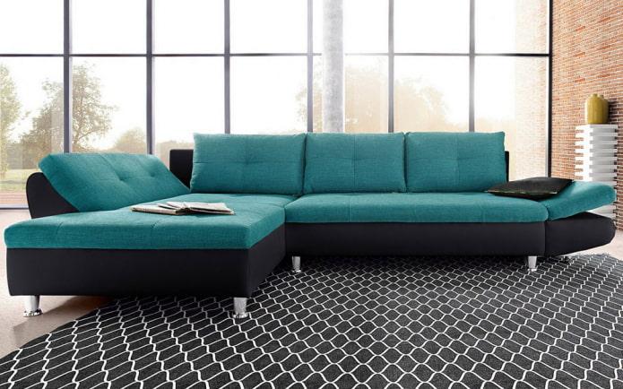 диван черно-бирюзового цвета в интерьере