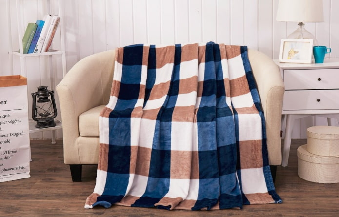 Покрывало на диван: виды, дизайн, цвета, ткани для накидок. Как красиво расположить плед?