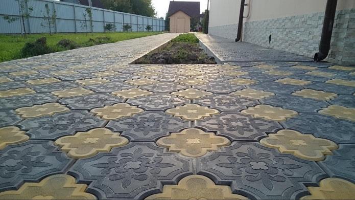 плитка для тротуара в форме клевера