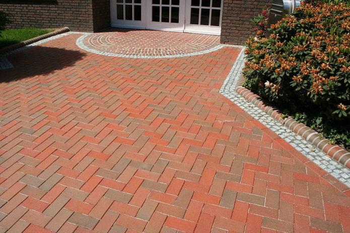 плитка для тротуара в форме кирпичика