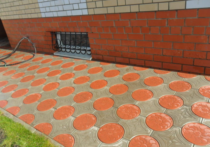 плитка для тротуара в форме круга