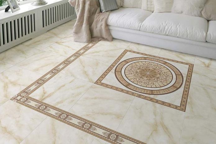 панно из плитки на полу в интерьере гостиной