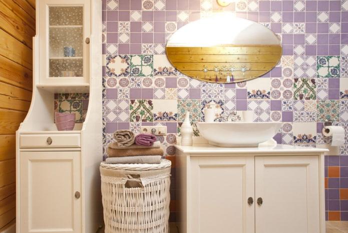 плитка в интерьере ванной в стиле прованс