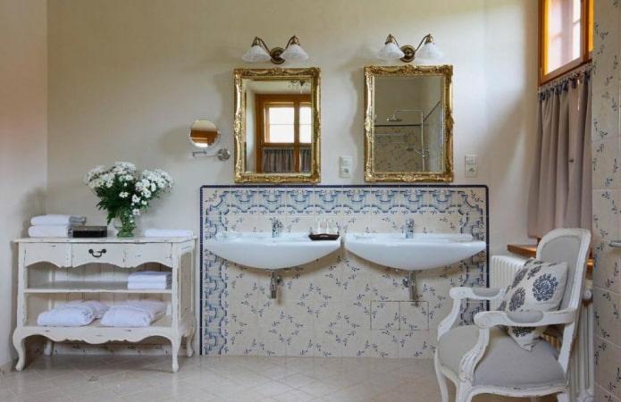 плитка в интерьере ванной в стиле шебби-шик