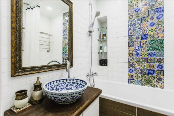 плитка в интерьере ванной в восточном стиле