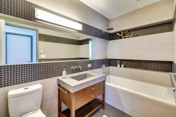 ниша с плиточной отделкой в ванной