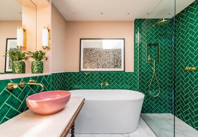 комбинированная отделка в интерьере ванной