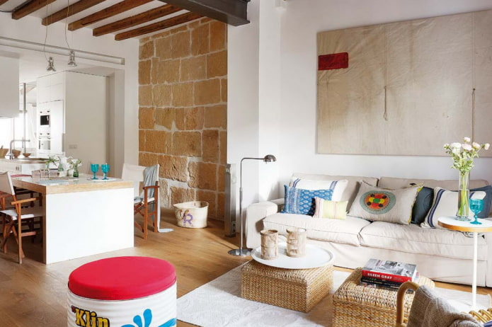 интерьер квартиры-студии в средиземноморском стиле