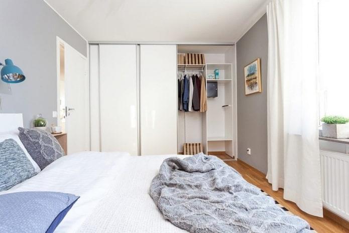 шкаф-купе в интерьере спальни в скандинавском стиле
