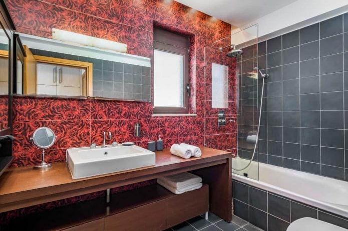 ванная комната в черно-красных оттенках