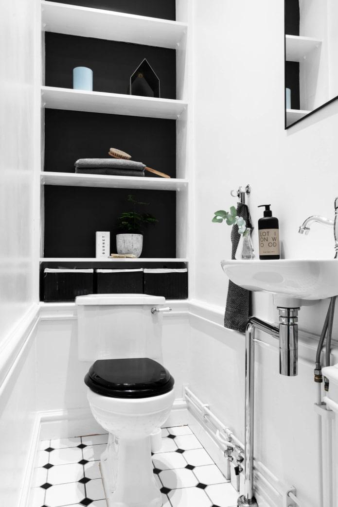 Черно-белый туалет