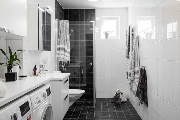 Квадратная черная и прямоугольная белая плитка