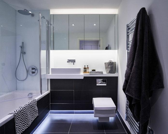 Черно-белая ванная с LED-подсветкой