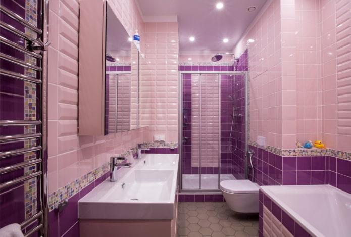 Розово-фиолетовый санузел