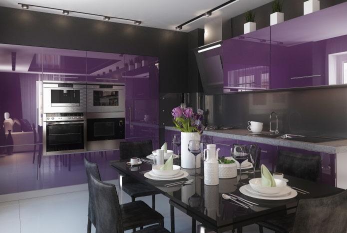 дизайн кухни в черно-фиолетовых тонах