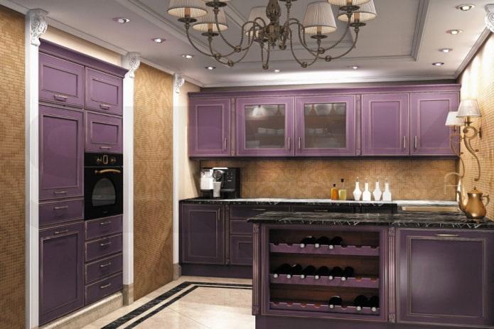 кухня в фиолетовых тонах в классическом стиле