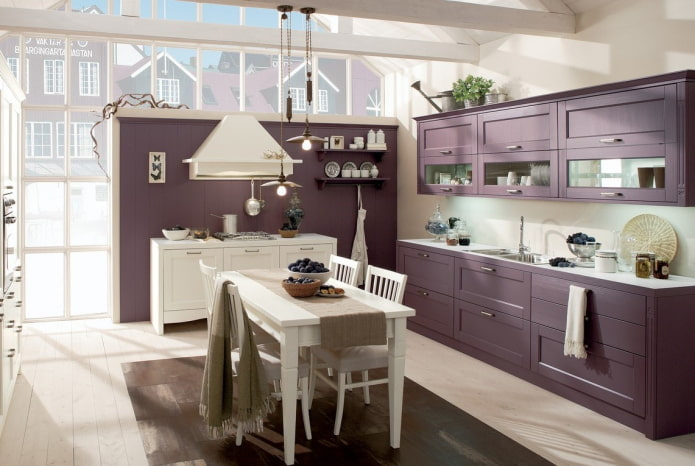 кухня в фиолетовых тонах в стиле прованс