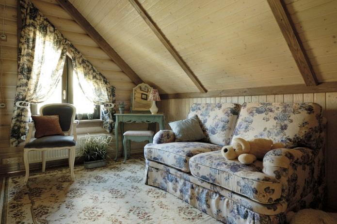 текстиль в интерьере бревенчатого дома