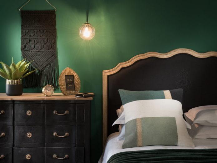 черно-зеленая спальня