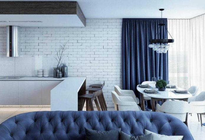 интерьер кухни-гостиной в синих тонах