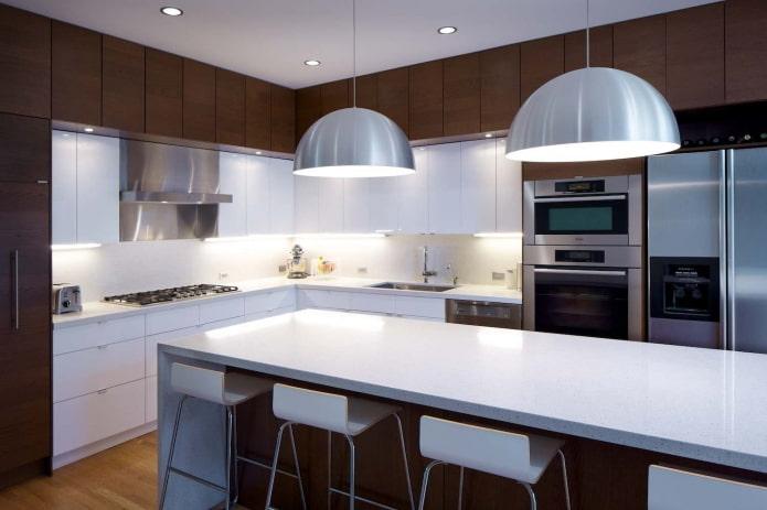 освещение в интерьере кухни в стилистике модерн
