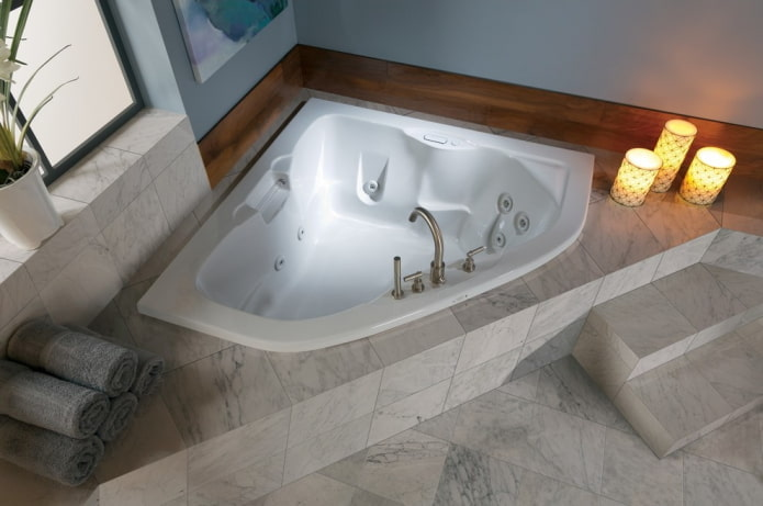 Симметричная фигурная ванна