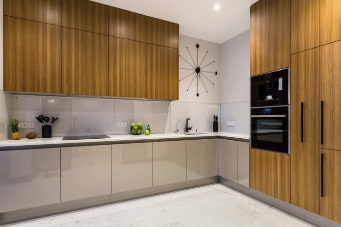 интерьер кухни в серо-коричневых тонах