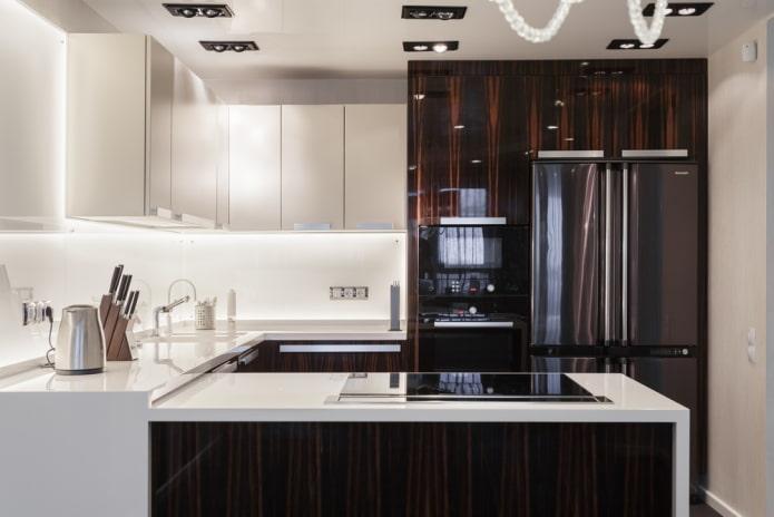 кухня в коричневых тонах в стиле хай-тек