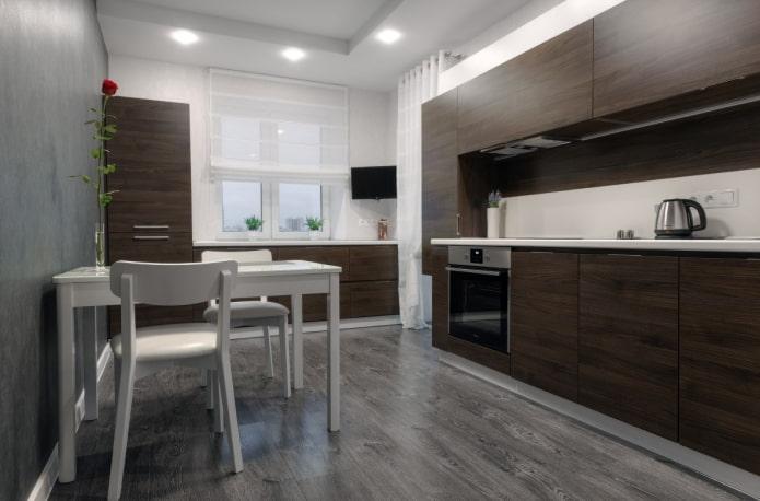 интерьер кухни в бело-коричневых тонах