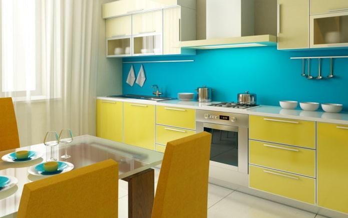 интерьер кухни в желто-голубых тонах