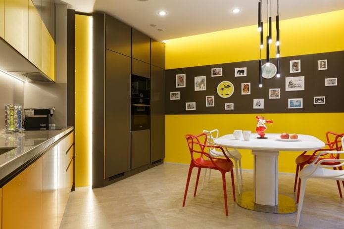 интерьер кухни в желто-коричневых тонах