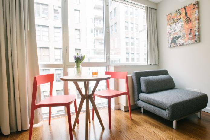 кресло-кровать в интерьере кухни
