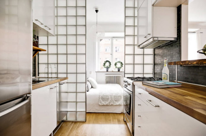 перегородка в интерьере кухни-спальни