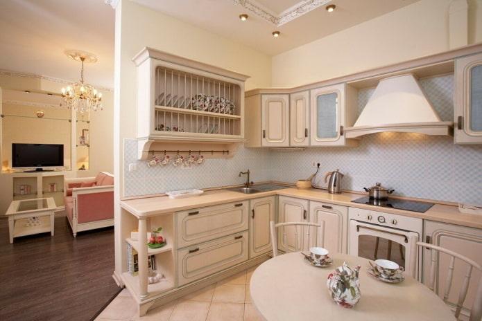 бежевый интерьер кухни в стиле прованс
